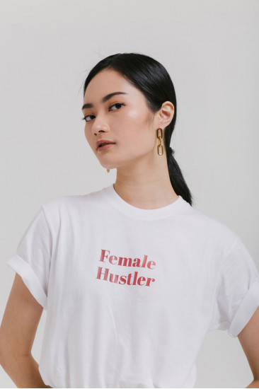 Female Hustlers T-shirt in Nude Pink