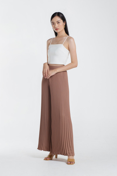 Paige Pleated Pants in Cappuccino